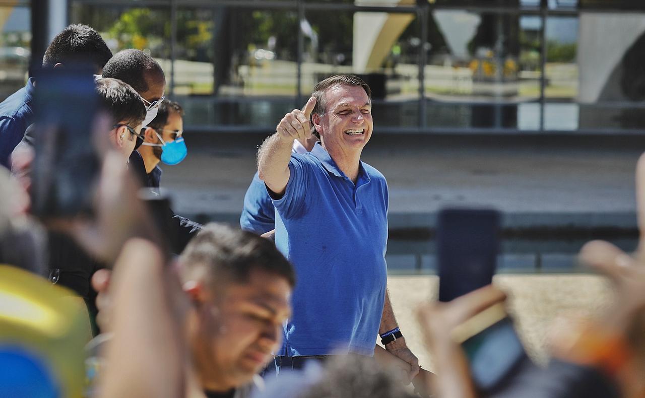 Carreata dos apoaidores do presidente Jair Bolsonaro contra o presidente da Câmara Rodrigo Maia e o STF. O presidente Jair Bolsonaro participou da manifestação na rampa do Palácio do Planalto.  Sérgio Lima/Poder360 03.05.2020